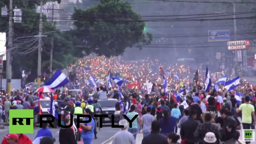 """Honduras: """"Marsch der Fackeln"""" gegen US-Einmischung"""
