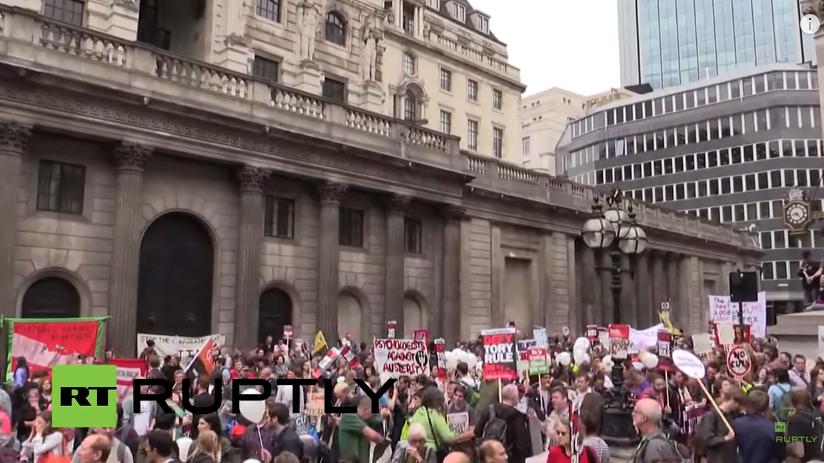 Live: Protest gegen massive Kürzungen und Sparpolitik in London