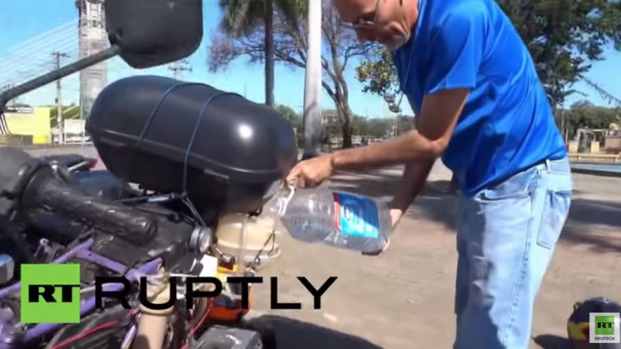 Benzin war gestern: Dieses Motorrad fährt 500 Kilometer mit nur einem Liter Wasser