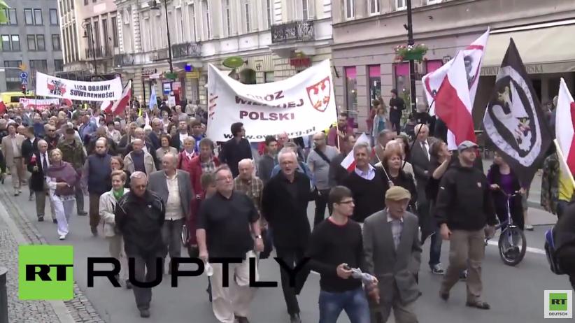Hunderte Polen marschieren in Warschau gegen Bandera