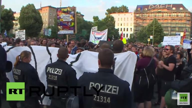 Protest in Berlin in Solidarität mit Griechenland und gegen die forcierte Sparpolitik
