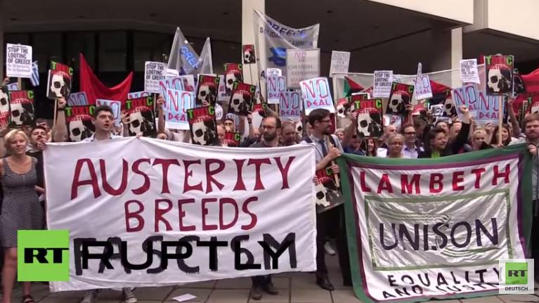 London: Protest vor deutscher Botschaft gegen die Sparpolitik