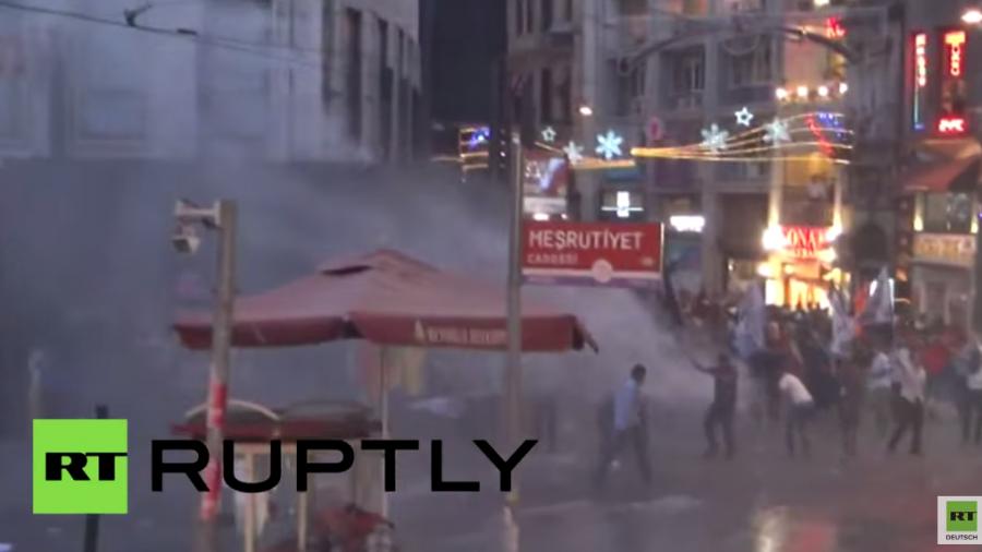 Istanbul: Einsatz von Wasserwerfern und Tränengas nach Bombenanschlag in Suruc