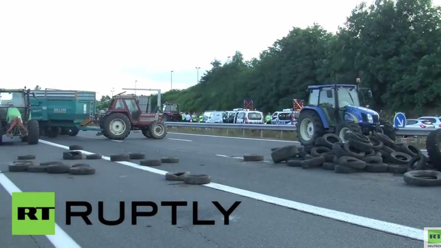 Frankreich: Landwirte blockieren wichtige Autobahnen aus Protest gegen sinkende Einnahmen