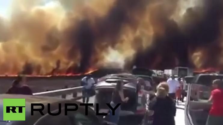 USA: Plötzlich brennt die Schnellstraße – Menschen rennen um ihr Leben