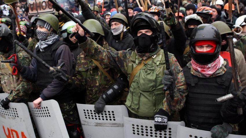 """Poroschenko verurteilt Rechten Sektor als """"kriminell"""" - Schlussfolgerung: Maidan-Revolution von Verbrechern angeführt?"""