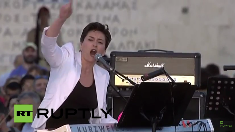 Live: Blick auf die Bühne von Anti-Sparkurs-Demo in Athen – Rede von Alexis Tsipras erwartet