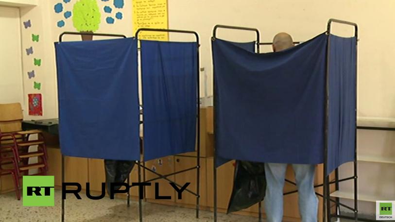 Live: Die ersten Griechen geben ihre Stimmen fürs Referendum ab