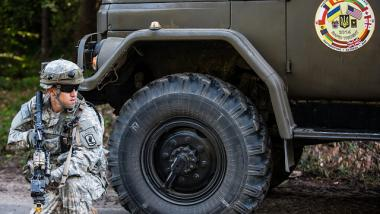 US-Soldat bei Rapid Trident Manöver in der Ukraine. Quelle:  U.S. Army Europe Images, CC BY 2.0