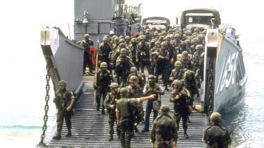 US-Soldaten während der Invasion der Karibikinsel Grenada 1983- Quelle: PETER CARRETTE
