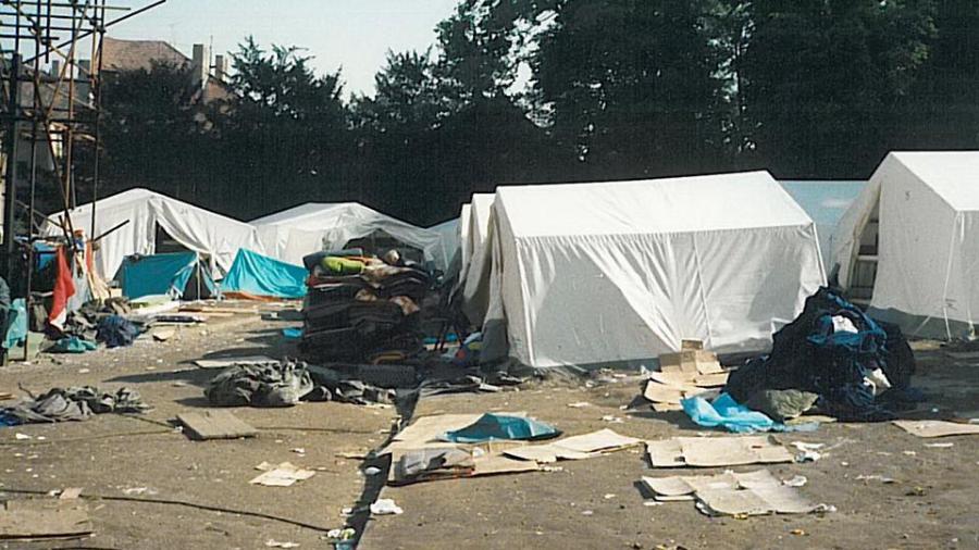 Aufgedeckt: Flüchtlinge hinterlassen Camp im Chaos!