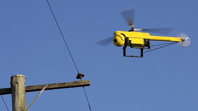 """US-Polizei darf jetzt """"Verbrecher"""" via Drohnen mit """"nicht-tödlicher Bewaffnung"""" jagen"""