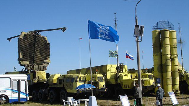 Russland und Iran einigen sich auf Lieferung des S-300 Luftabwehrsystems noch in diesem Jahr