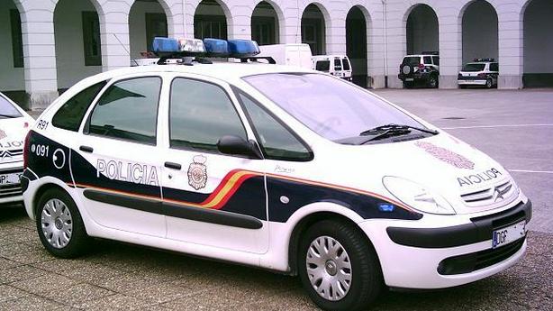 Erneute Anwendung des spanischen Knebelgesetzes: 800 Euro Strafe für Facebook-Post von falschparkendem Polizeiauto