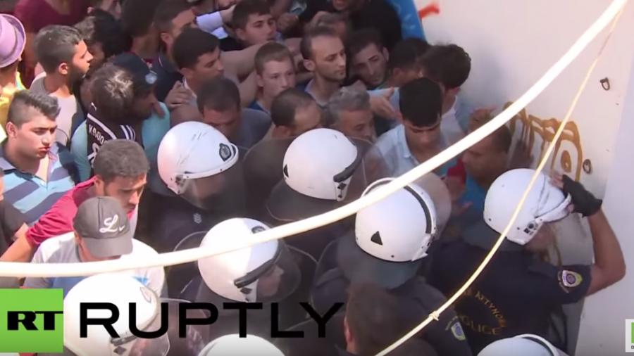 Flüchtlingschaos in Griechenland – Kontrollverlust, Ausschreitungen und menschenunwürdige Zustände