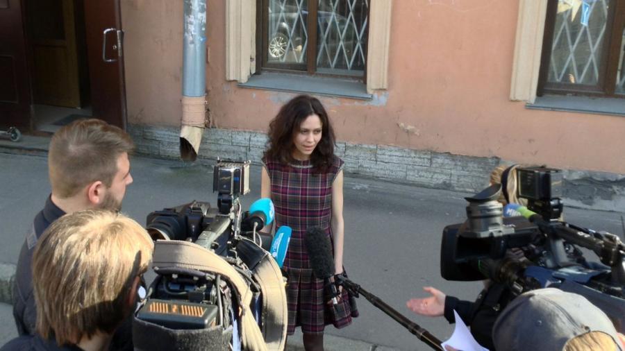 """Angebliche """"Putin-Troll-Aussteigerin"""" Ludmilla finanziert von Soros-Stiftung und der CIA-nahen NED"""