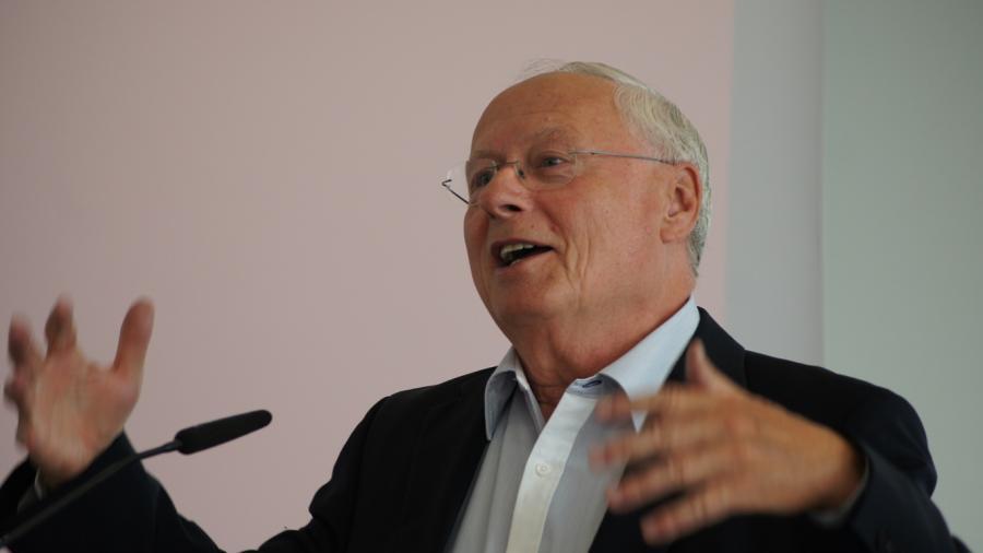 Oskar Lafontaine: Welche Lehren ziehen wir aus der Erpressung der Syriza-Regierung durch die Troika?