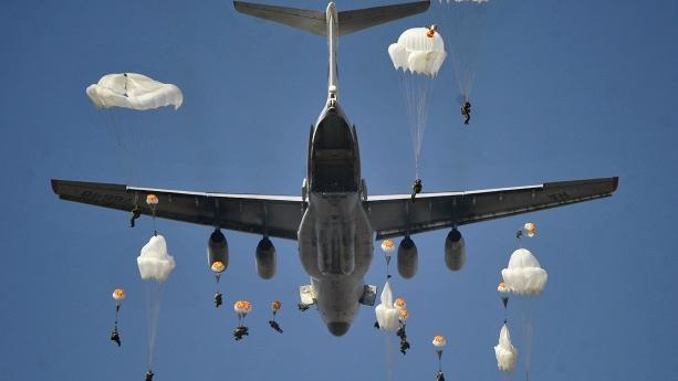 Russischer Kommandeur: Luftlandetruppen bereit Syrien im Kampf gegen Terrorismus zu unterstützen