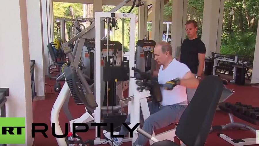 Sotschi: Putin und Medwedew zum gemeinsamen Krafttraining im Fitnessstudio