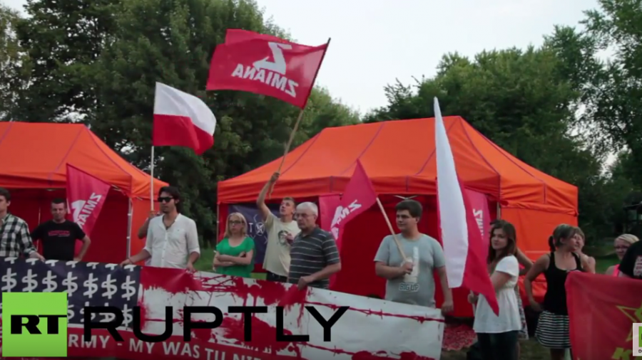 Polen: Demonstranten protestieren in Lask gegen US-Militärpräsenz