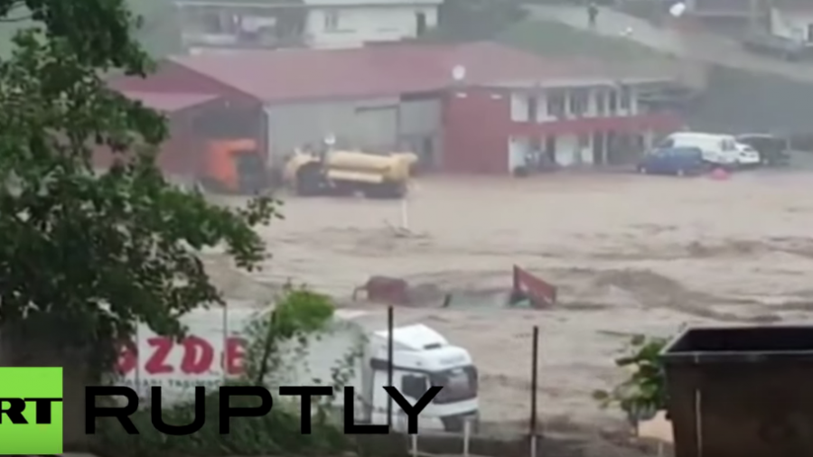 Türkei: Schwere Überschwemmungen und Erdrutsch töten mindestens acht Menschen