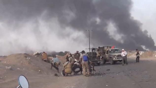 Weitere Eskalation im Jemen - Saudisch geführte Anti-Huthi-Koalition entsendet Panzer und Bodentruppen nach Aden
