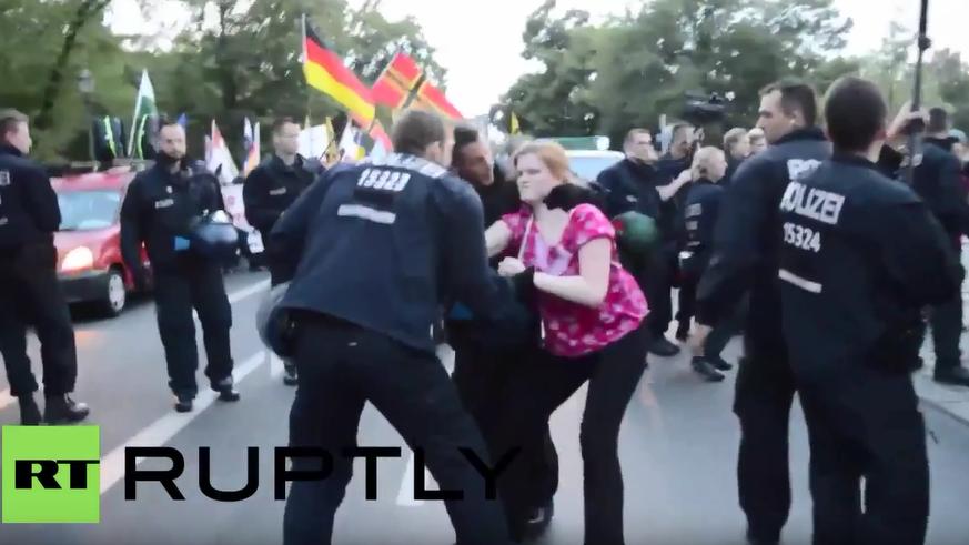 Berlin: Zusammenstöße mit der Polizei - BÄRGIDA-Marsch trifft auf Gegenprotest