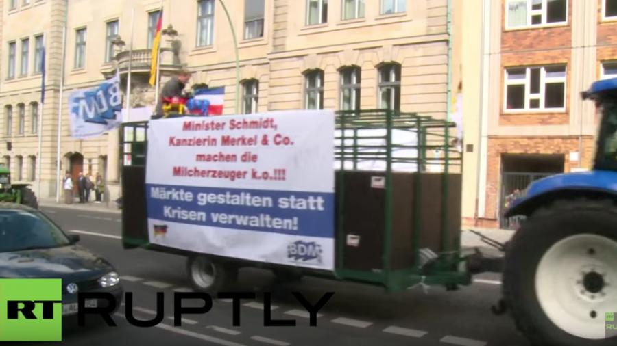 Deutschland: Milchbauern protestieren gegen zu niedrige Milchpreise in Berlin
