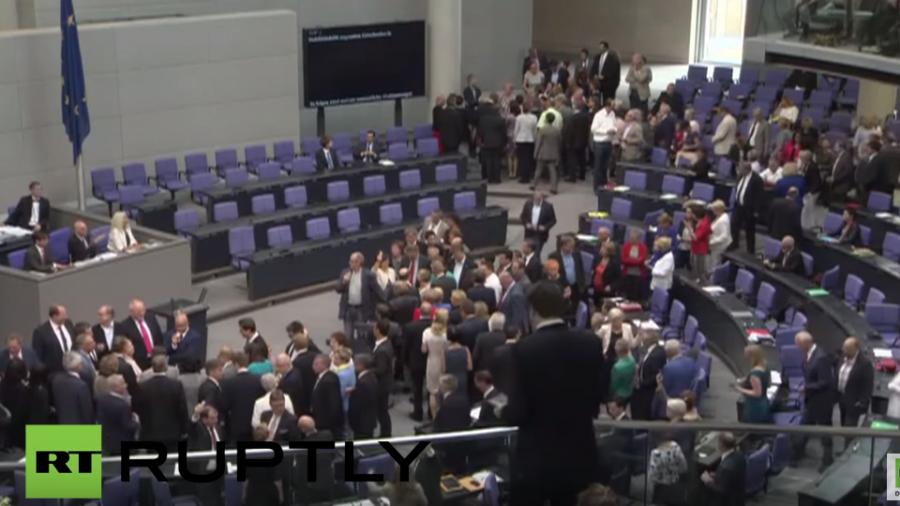 Live: Bundestag stimmt über das dritte Hilfsprogramm für Griechenland ab