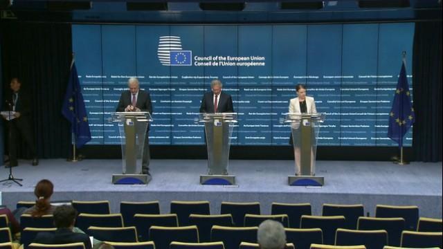 Live: EU-Kommissar Dimitris Avramopoulos hält Pressekonferenz zu neuesten Migrationsentwicklungen
