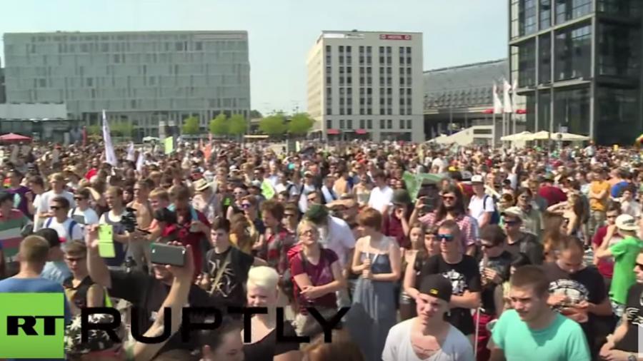 Berlin: Tausende fordern auf Hanf-Parade die Legalisierung von Marihuana