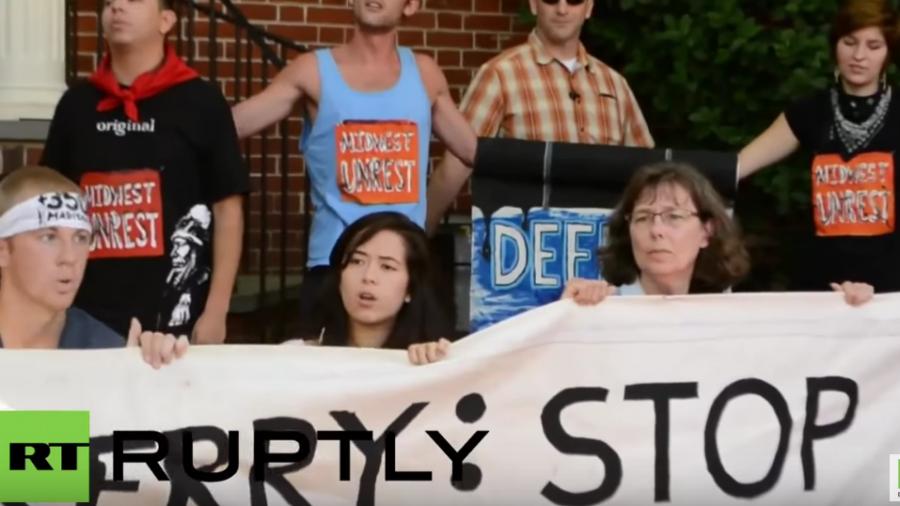 USA: Protest und Sitzblockade vor dem Haus von US- Außenminister John Kerry
