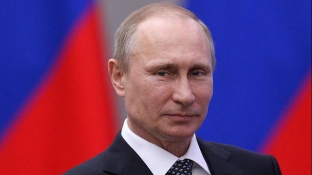 Live: Putin besucht Präsidium des Staatsrats auf der Krim