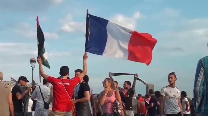 """Live: Protestveranstaltung in Paris gegen Sommerfest mit dem Motto """"Tel Aviv"""""""