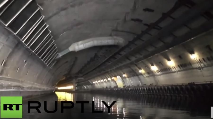 Sewastopol: Ein Blick in Stalins strenggeheimen atombombensicheren U-Boot-Bunker