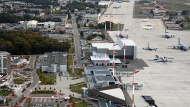 Die US-Airbaise von Ramstein aus der Luft. Bildquelle: U.S. Army Corps of Engineers Europe District. Some rights reserved