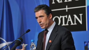 Widmet er sich jetzt eher dem Finanzkrieg? Der ehemalige NATO-Generalsekretär Anders Fogh Rasmussen wechselt zu Goldman Sachs - Quelle: Ruptly