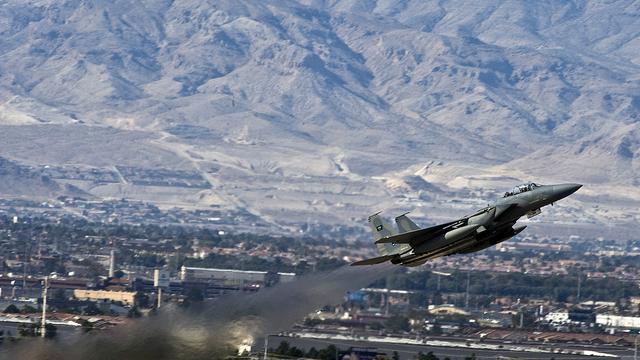 Jemen: Luftangriff auf Huthi-Hochzeitsgesellschaft hinterlässt 135 Tote - Saudi Arabien weist jegliche Verantwortung von sich