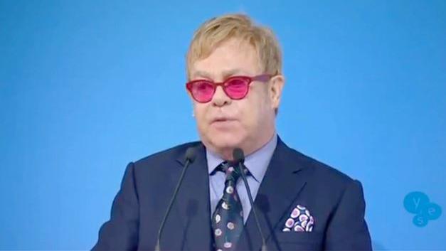 Kein Spaß mehr - Putin ruft doch bei Elton John an
