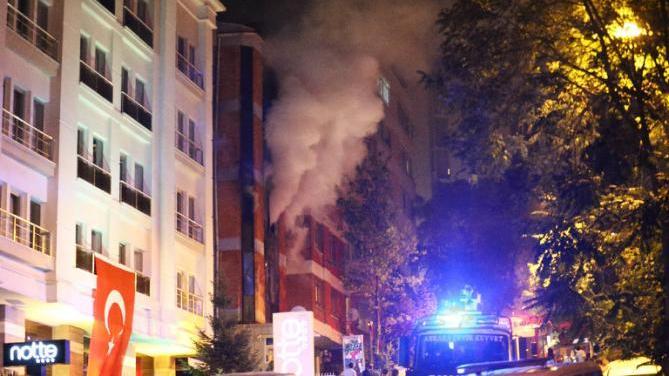 Innenpolitische Lage in der Türkei eskaliert: Anschläge der PKK, Ausschreitungen gegen HDP-Parteibüros und Medien