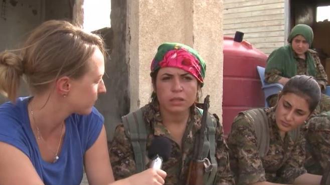 RT-Bericht von der Frontlinie in Al-Hasaka – Syrische Armee und YPG gegen den IS
