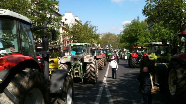 Live: Wütende Landwirte demonstrieren in Paris – 1000 Traktoren zum Protest für Paris angekündigt
