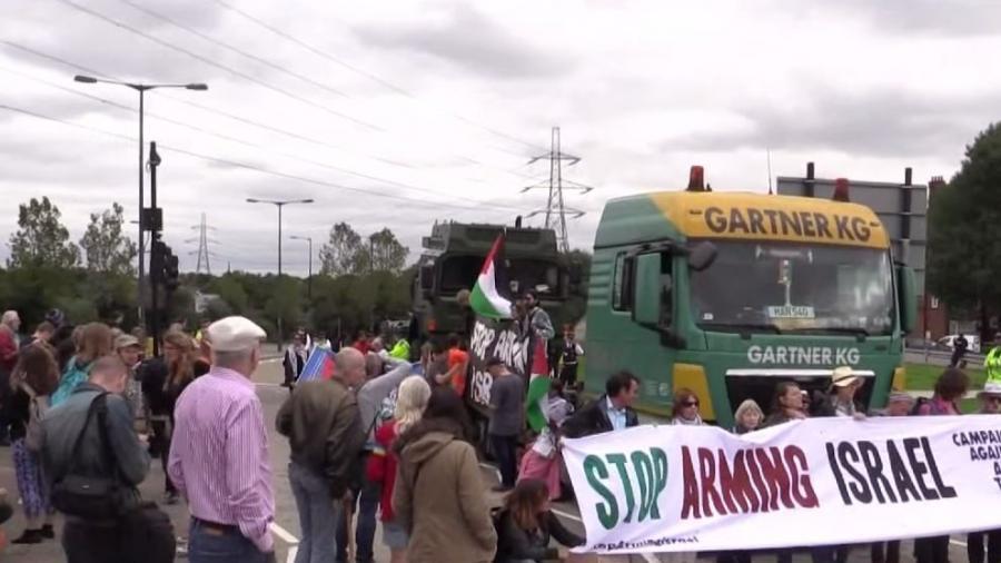 """""""Keine Waffen für Israel"""" - Weltgrößte Rüstungsmesse in London löst Protestwelle aus"""