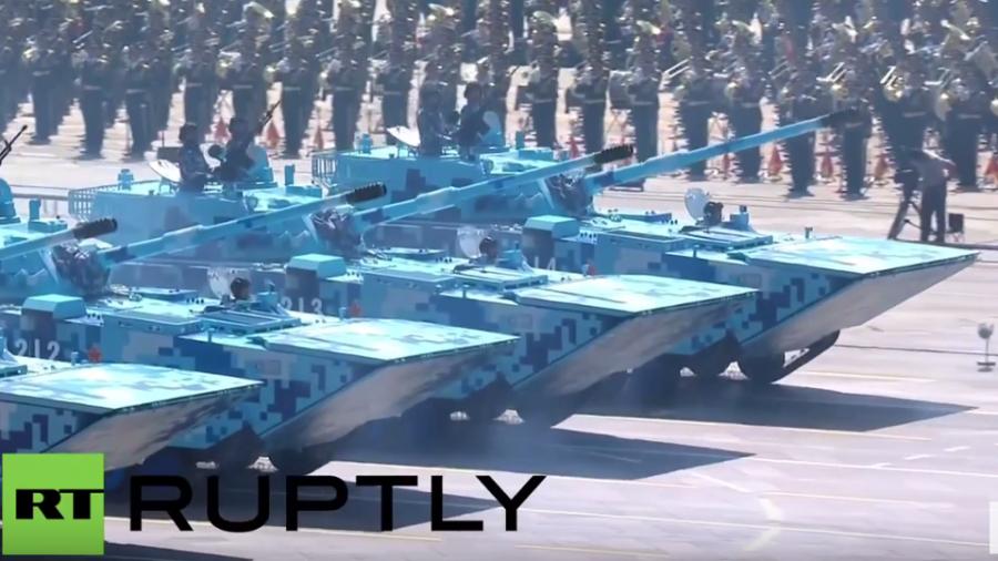 Militärparade in China: Noch nie gesehene Waffen präsentiert