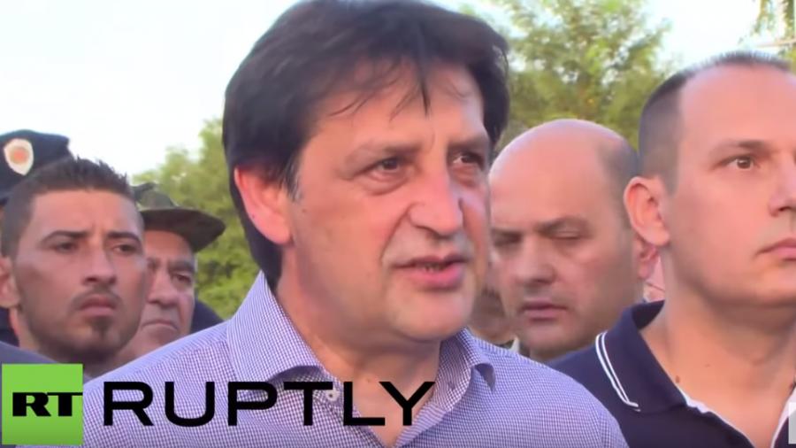 Verteidigungsminister Serbiens: Mit Respekt und Organisation schafft man die Flüchtlings-Herausforderung