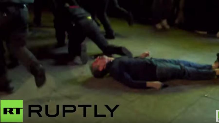 Hamburg: Polizeisturm auf Linksradikale – Unschuldiger überrannt und nach Aufprall auf dem Boden bewusstlos