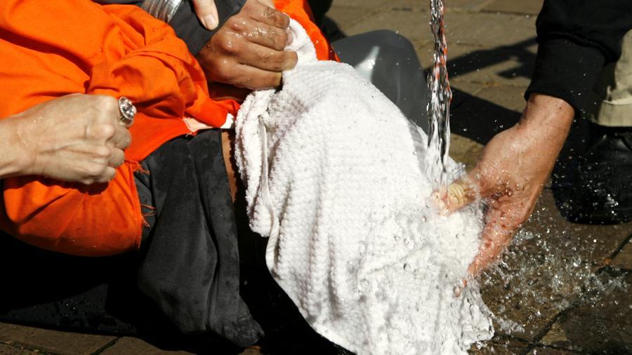 Ex-CIA-Chefs veröffentlichen Buch, das brutale US-Foltermethoden legitimiert