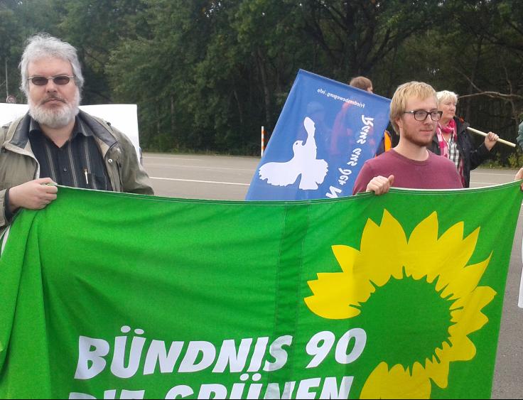 Andreas und Paul von den Grünen Kaiserslautern zeigen Präsenz.
