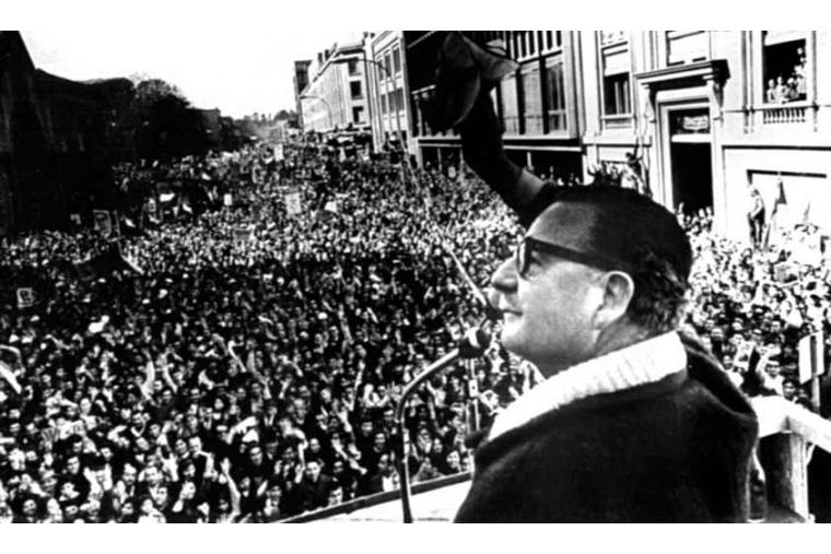 Allende bei einer Ansprache nach dem Wahlsieg // Quelle: cubadebate.cu