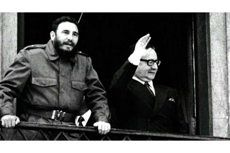 Der kubanische Revolutionsführer Fidel Castro besuchte 1971 Chile über einen ganze Monat